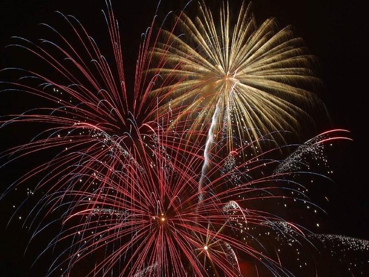NYE firework display. Photo by: skeeze / pixabay.com