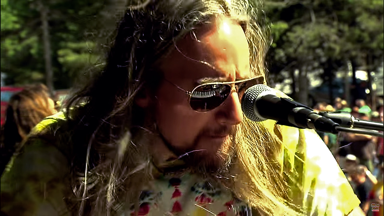 The Chris Robinson Brotherhood from the 2014 Mountain Jam Festival. Photo by: Mountain Jam Festival / YouTube