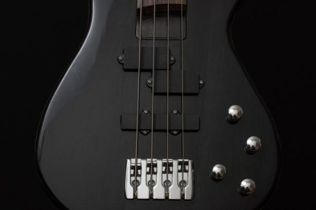 Bass guitar. Photo by: pexels.com / pixabay.com
