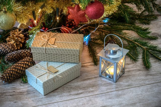 Gift giving ideas for Cyber Monday. Photo by: Pexels.com / WDnet Studio
