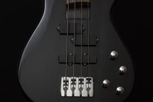 Bass guitar. Photo by: Pexels.com