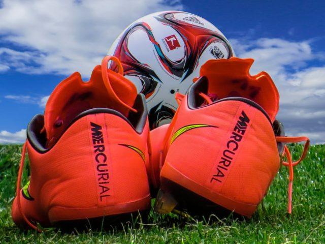 Soccer / football equipment. Photo by: Pixabay.com / Pexels.com
