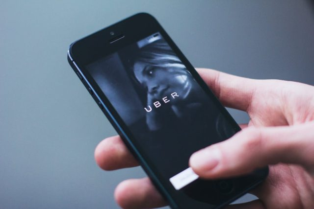 Uber application. Photo by: Pexels.com