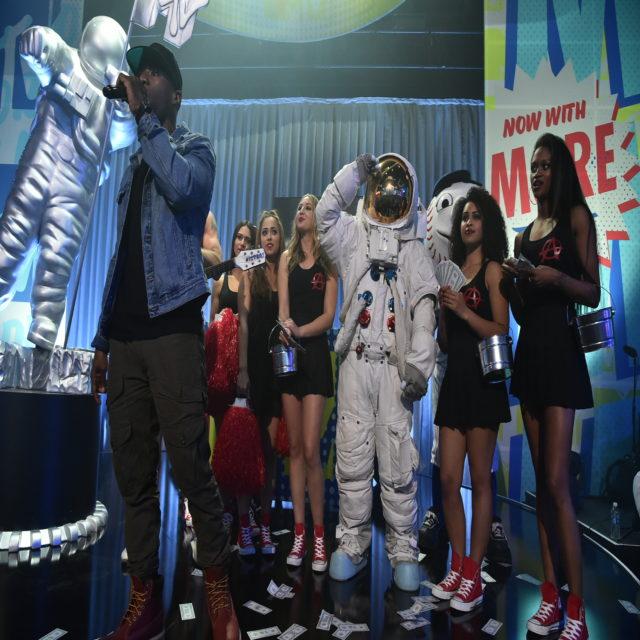 VMA Moonman Entrance at MTV 2016. Photo: Courtesy of MTV