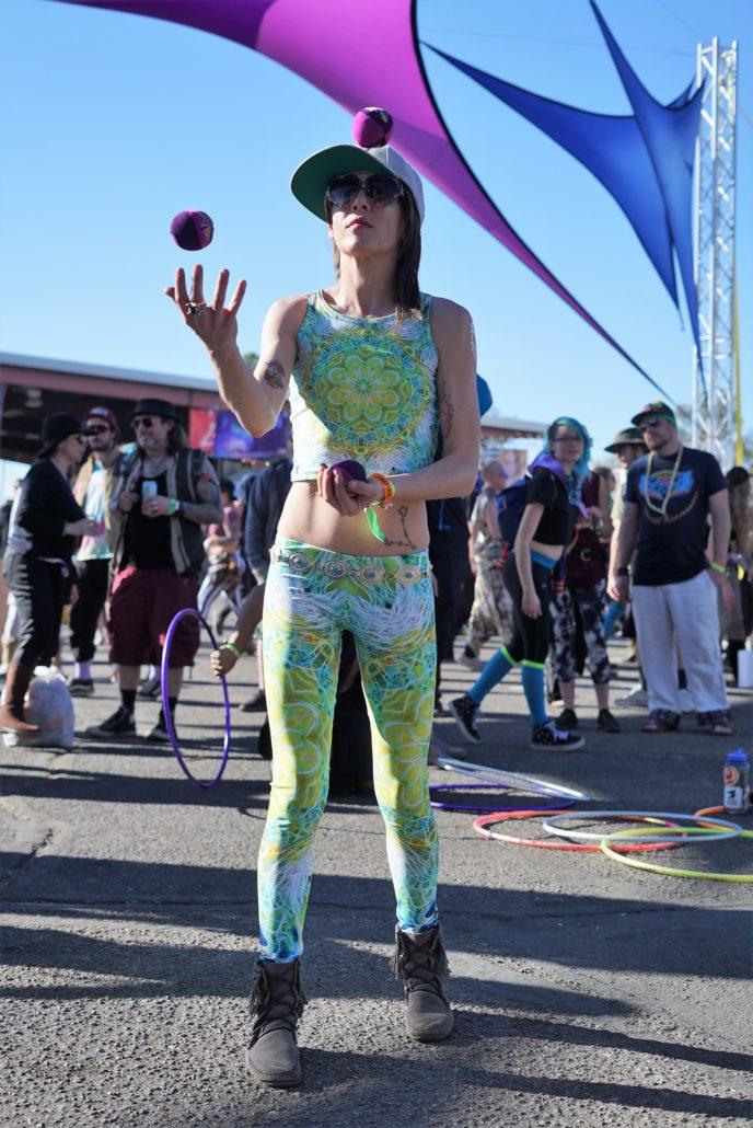 Juggler at Gem and Jam Festival 2018. Photo by: Samantha Harvey