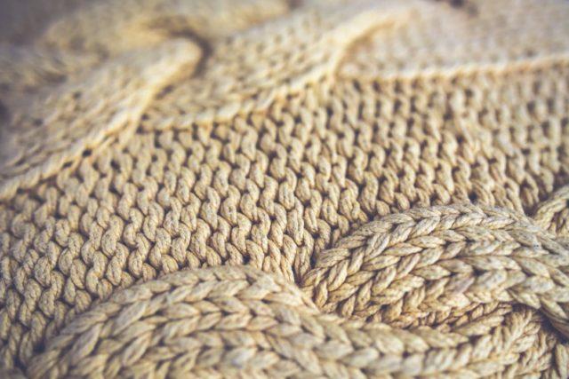 A wool sweater. Photo by: Kaboompics // Karolina // Pexels.com