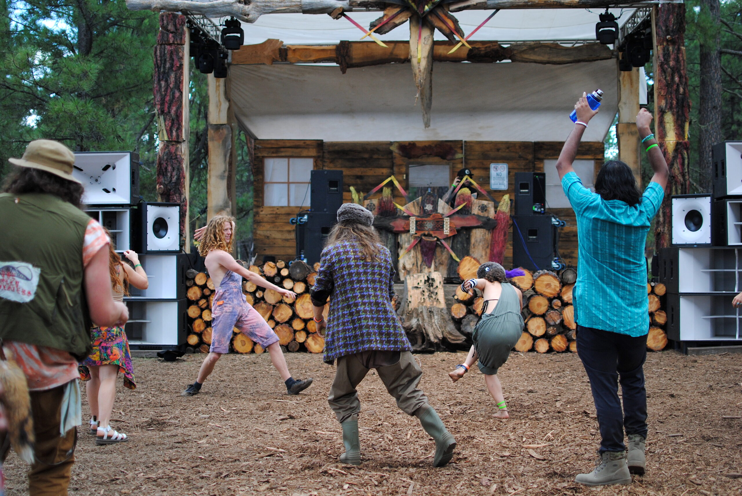 June(tember) Jammers dance at the main stage during Kevin Void's Saturday afternoon set. Photo by: Marissa Novel.