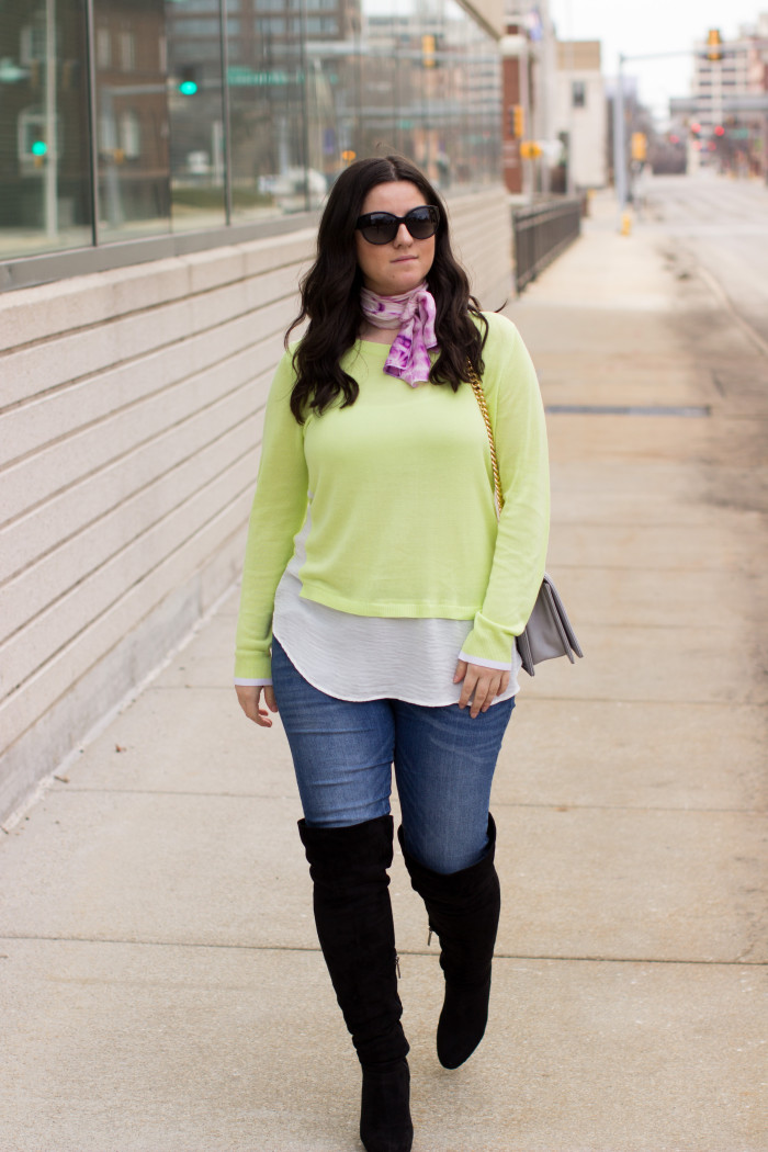 neon sweater, neon womens top, green top, spring outfit idea, medium wash jeans, gray crossbody, chain crossbody