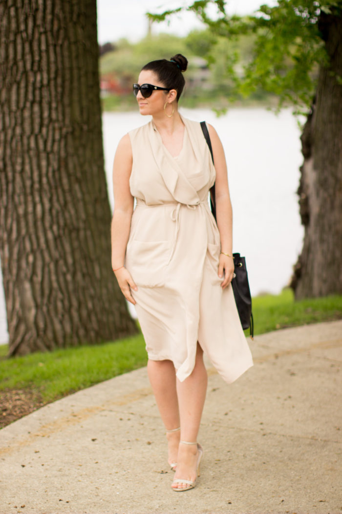 beige wrap dress, h&m fashion, h&M dresses, mod dress, minimalism fashion, beige summer dress