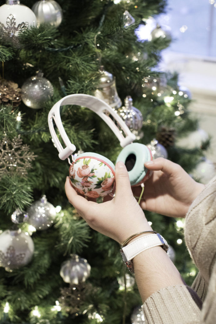 best stocking stuffer ideas, Christmas present ideas, girls Christmas gifts, secret santa gifts for girls