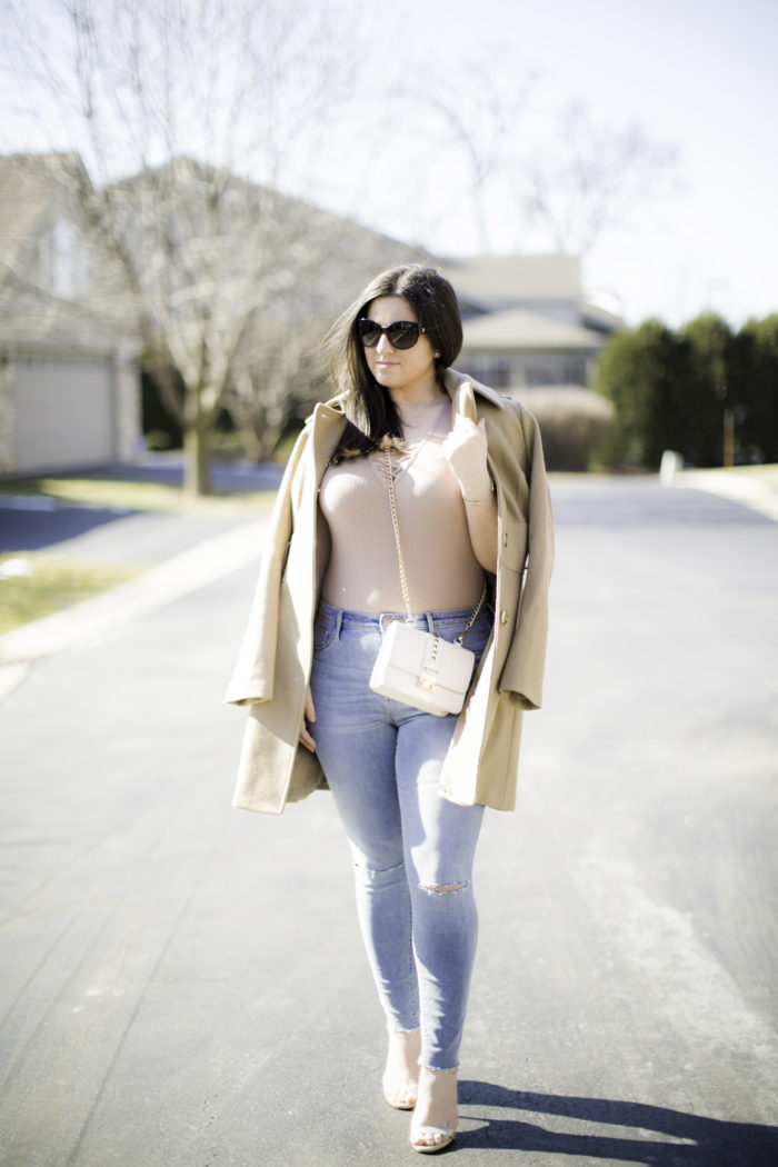 three things you need this spring, high waist jeans, bodysuit, beige trench coat