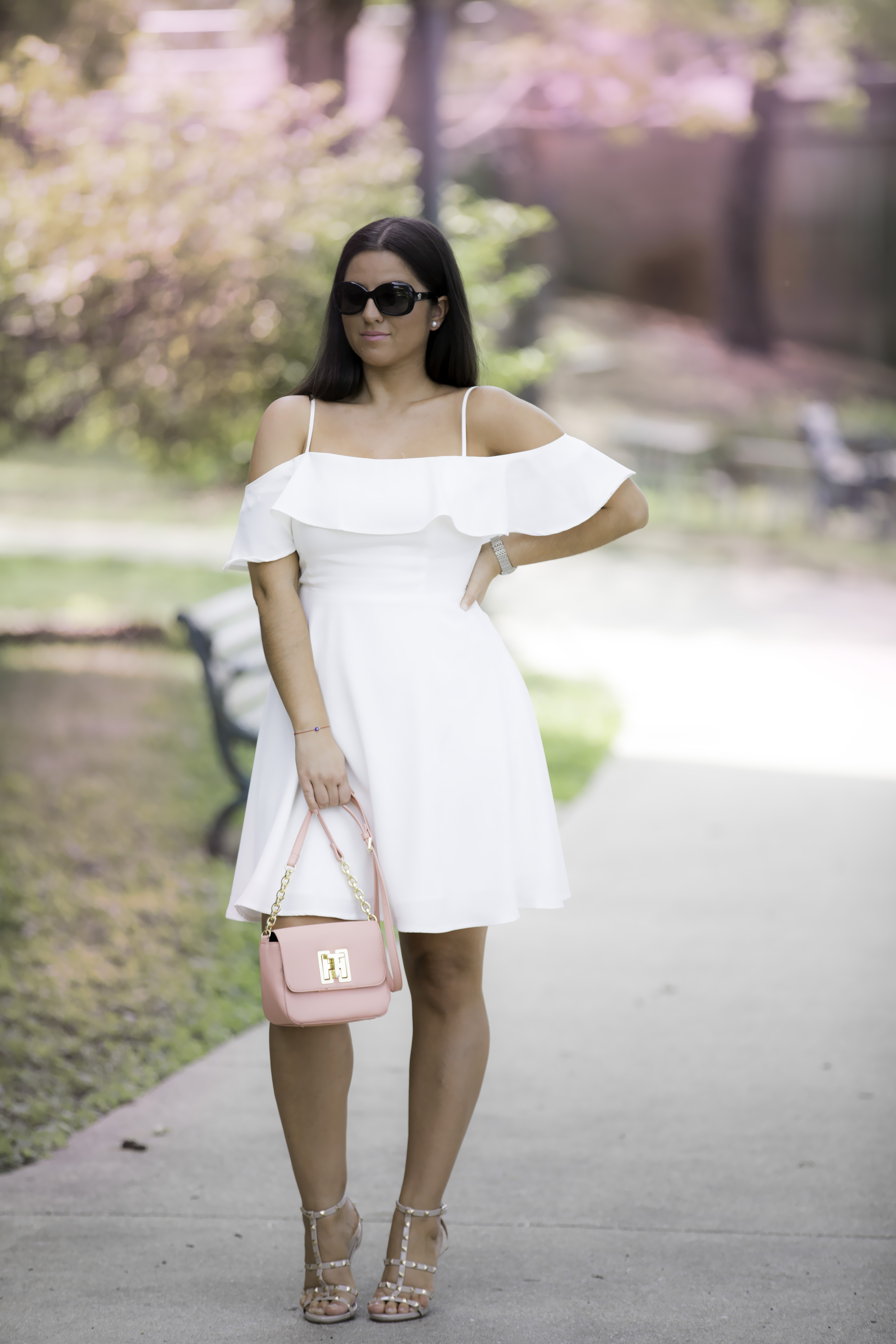 must have summer dress , white cold shoulder dress, forever21 dress, chicago blogger, baily lamb