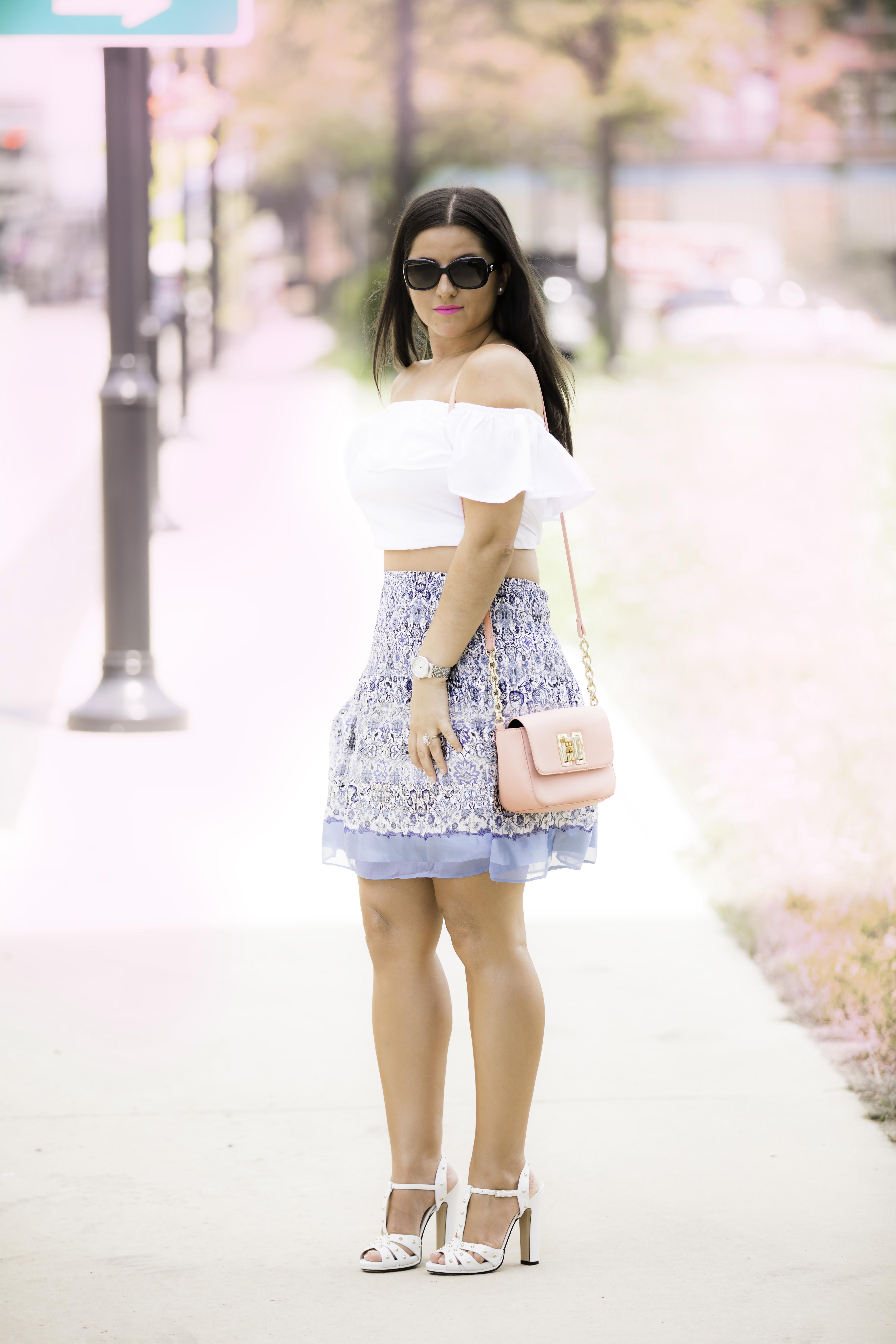 crop top trend, crop top and a mini skirt, gucci rockstud heels, tommy hilfiger pink bag