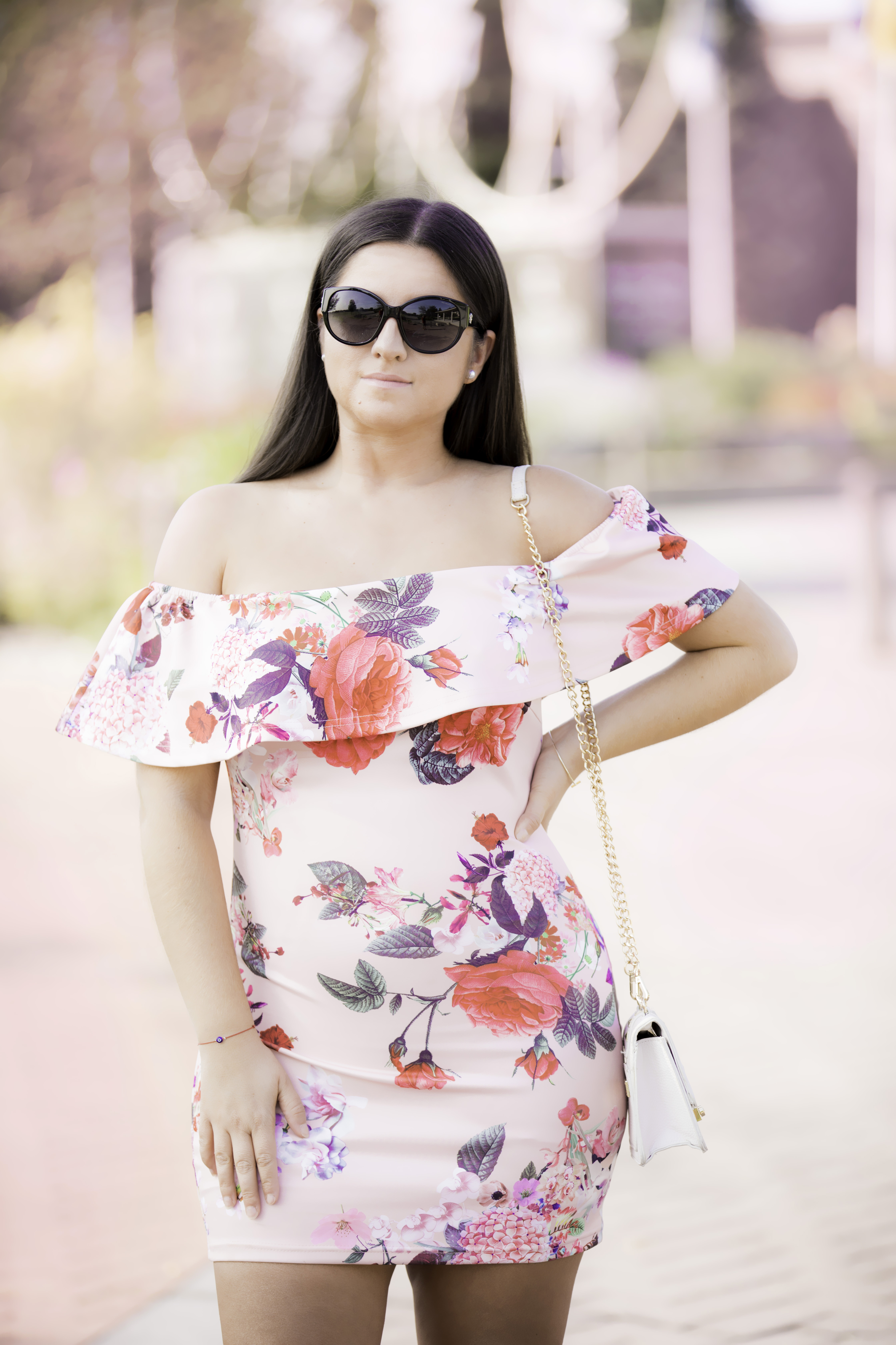 missbella floral dress, bodycon floral dress, date-night outfit idea