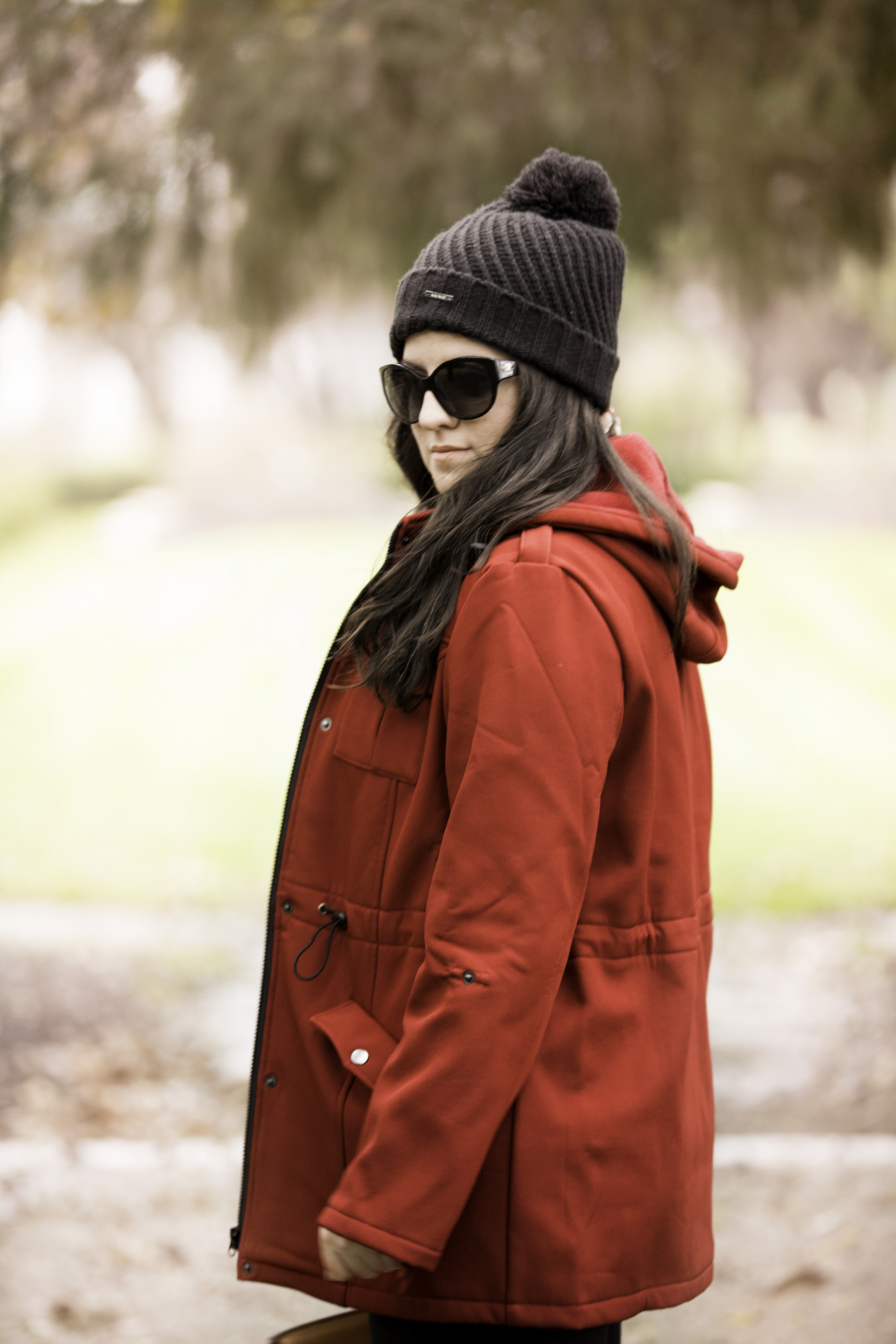 red coat, red rain coat, baily lamb, chicago fashion blogger, rockford blogger
