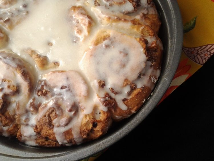 cinnamon rolls close up