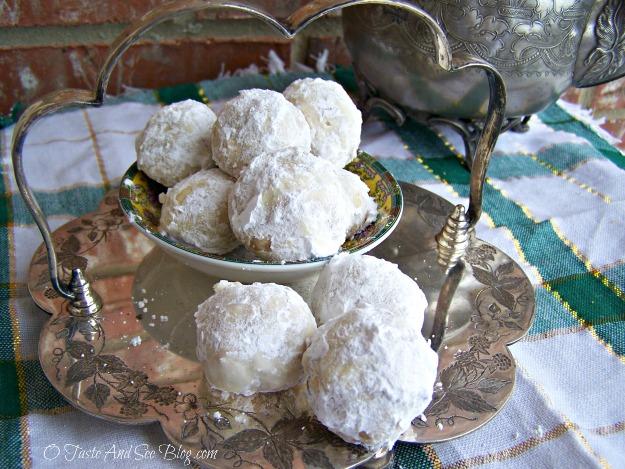 Russian Tea Cakes 042