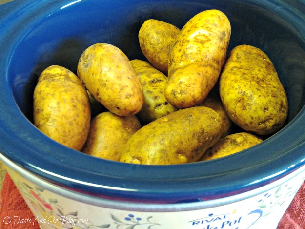 crock pot baked potatoes 08
