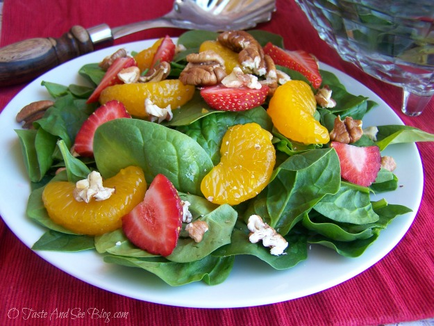 strawberry spinach salad 049