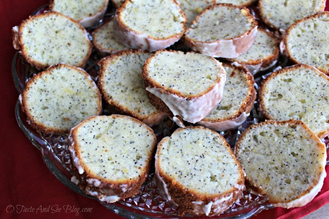 Lemon poppy seed pound cake 137