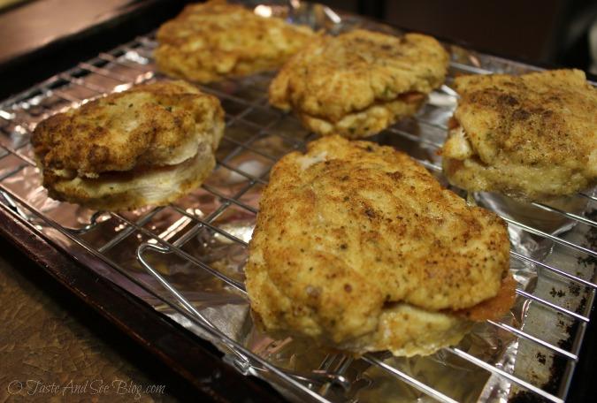 pepperoni mozzarella stuffed chicken