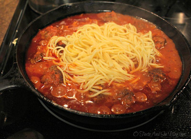 Skillet Spaghetti and meatballs #ad