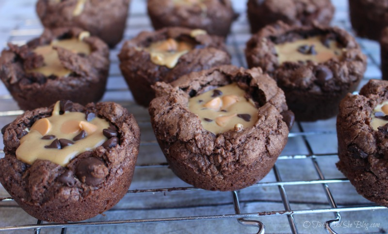 Peanut Butter Brownie Cups #ad #SKIPPYYIPPIE