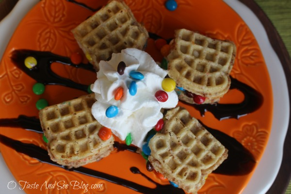Waffle Ice Cream Sandwiches #ad #EggoWaffleBar