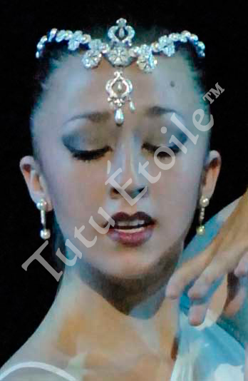 Oriental head piece