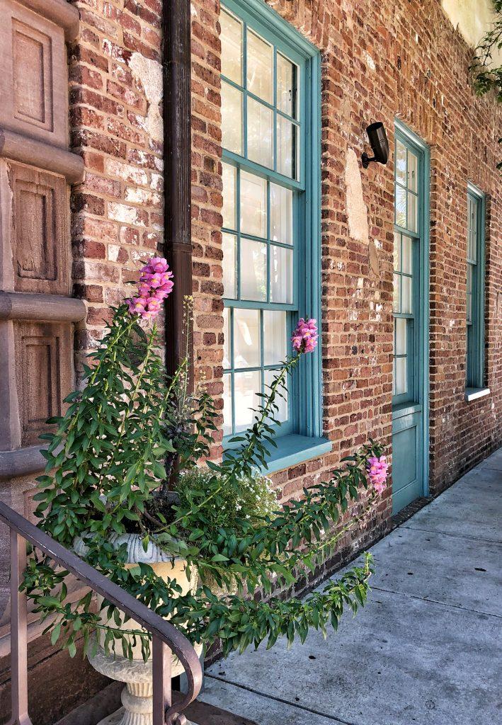 Charleston-SC-dock-street-theatre-exterior