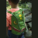 A1289X7_DINO_BackpackBoyDino_LIFE2_HiRes300dpi