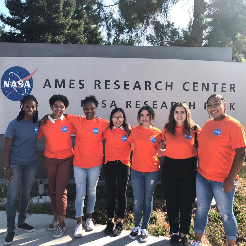 Tacoma Teens Win Regional Apollo Landing Challenge