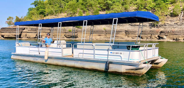 photo of Tritoon pontoon boat