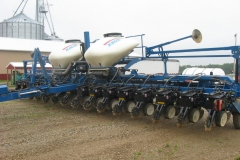 16 ROW FOLDING PLANTER (AGRICULTURAL AND FARM)