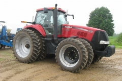 AGRICULTURAL TRACTOR (AGRICULTURAL AND FARM)