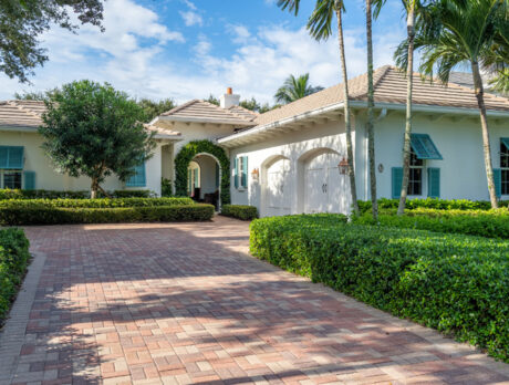 Casual elegance defines Palm Island Plantation home