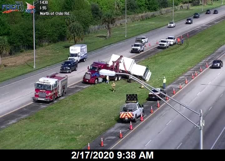 Several hurt after two-vehicle crash on SB I-95