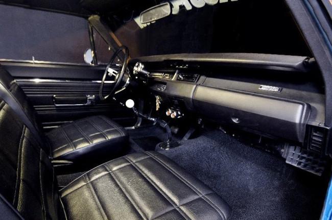rust-olium_mopar_interior