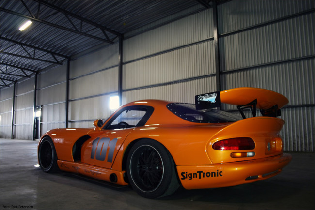 Hallenborg-Twin-turbo-LSx-powered-Orange-Viper-Replica-04