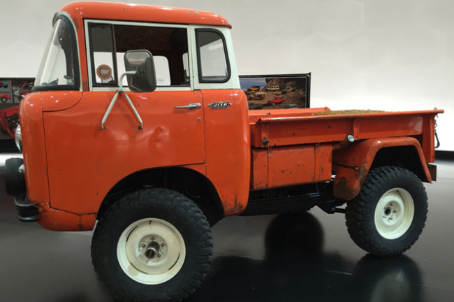 Jeep-FC-150-Heritage-Vehicle-side-view