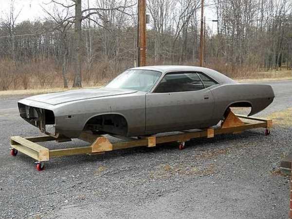 one-of-none-1974-cuda-body