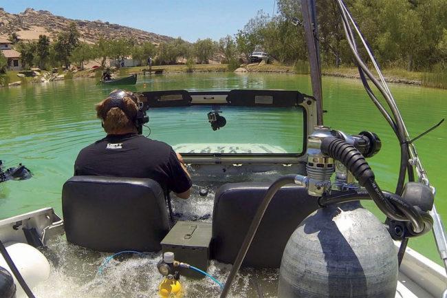 dirt-everyday-underwater-jeep-001
