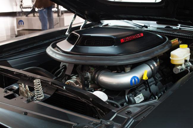 dodge-shakedown-challenger-engine-1