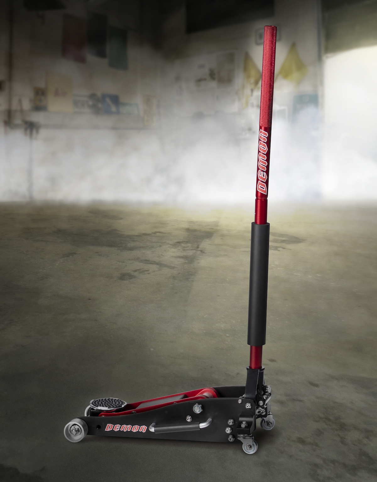 In collaboration with Dodge, Snap-on Business Solutions delivers what customers need to take the 2018 Dodge Challenger SRT Demon from the street to the drag strip and back again. This special, limited-production set of tools for the Dodge Challenger SRT Demon features several parts, including this hydraulic floor jack.