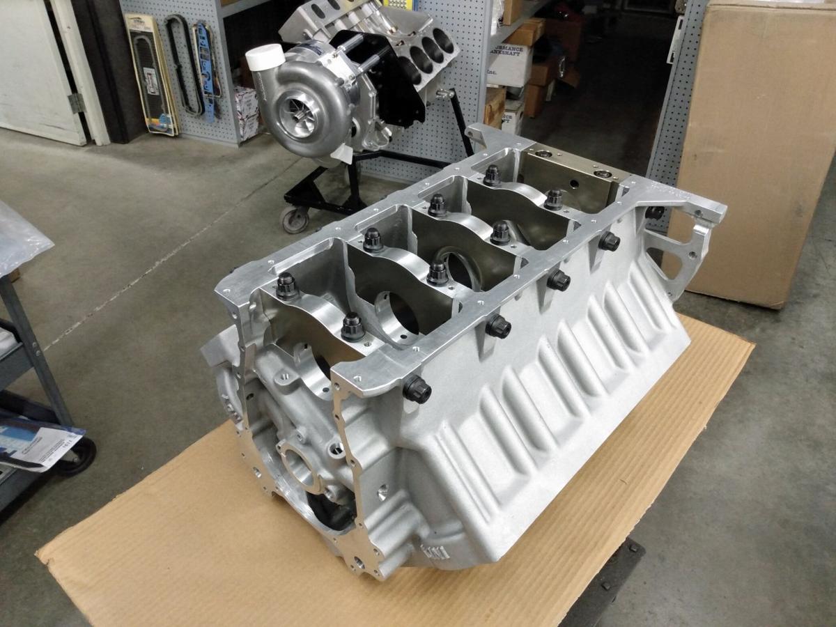 013-New-Indy-Maxx-X-Solid-Block-With-Huge-Billet-Aluminum-Main-Caps-5625-Main-Studs-web