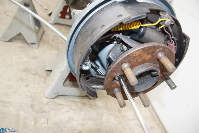 007-Mopar-Rear-End-Yearone-Backing-Plate-Axle-Install-Shim-Gasket