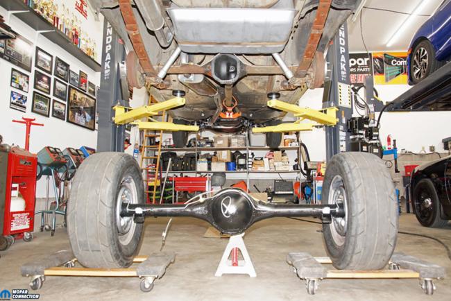 011-Mopar-Rear-End-Yearone-Sure-Grip-Gears