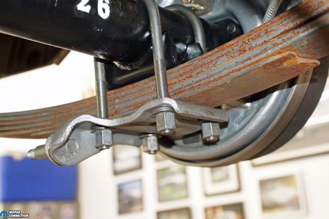 020-Mopar-Rear-End-Yearone-Sure-Grip-U-Bolt-Shock-Plate