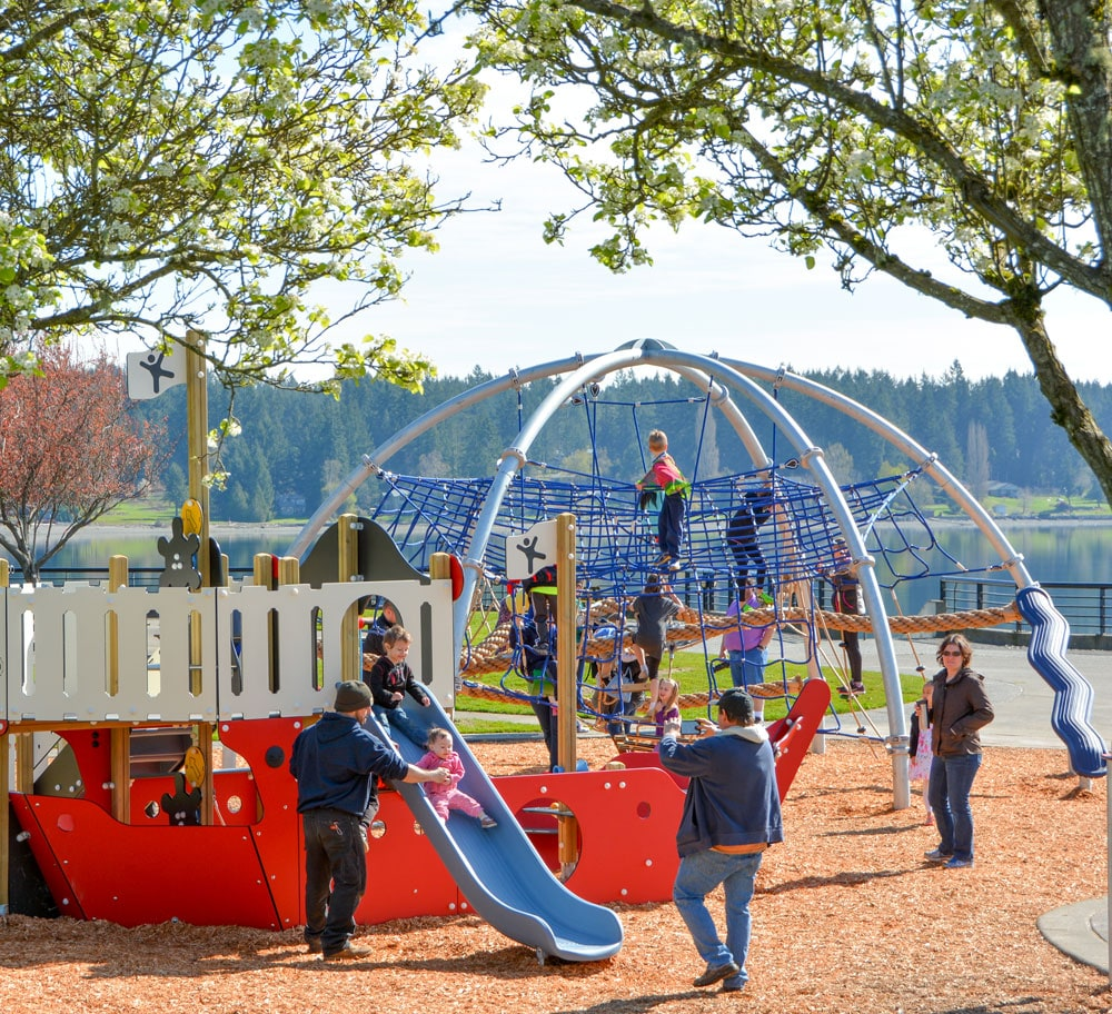Slides for little kids by KOMPAN and Highwire