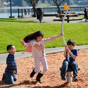 Spinning playground equipment
